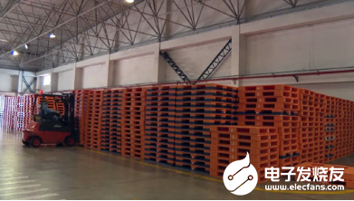 The combination of RFID technology and pallet greatly improves the automation level of information collection in logistics management