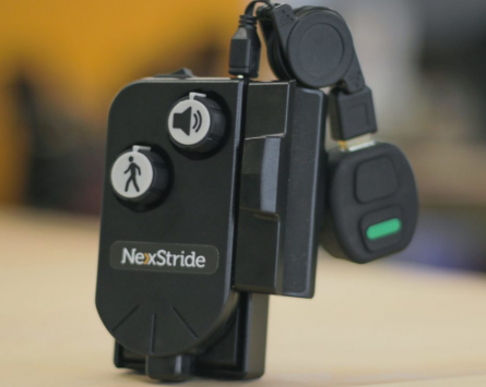 De Oro devices launches an electronic product to help Parkinson's patients walk safely