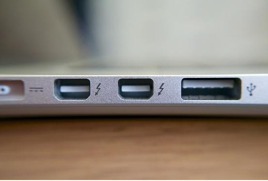 Analysis of current mainstream transport interface standards thunderbolt, USB and eSATA