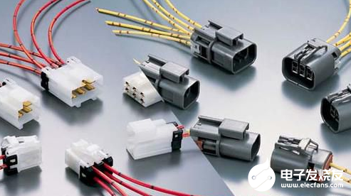 The horizontal connector is much more compact and convenient than the micro-d connector