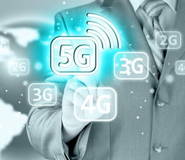 Why do the three operators selectively shut down 5g base stations?